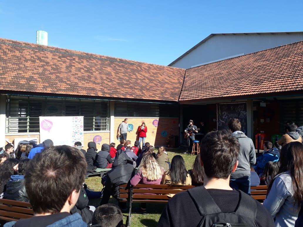Atividade com alunos do Ensino Médio da escola Escola Sesi Eraldo Giacobbe
