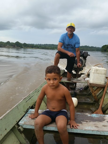 Ribeirinho no rio Tapajós. Amazônia brasileira.