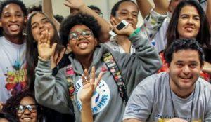 Guia do(a) Mobilizador(a) de Adolescentes e Jovens apresenta as responsabilidades dos mobilizadores, como dicas sobre como criar ou fortalecer um núcleo de cidadania de adolescentes